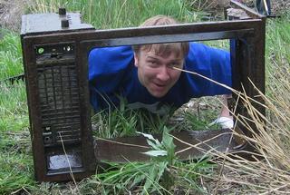 Иван Мананкин, член регионального штаба Молодой Гвардии, нашёл телевизор