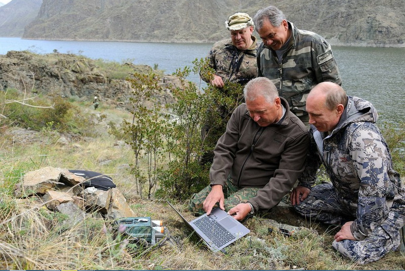 Геннадий Киселёв, Виктор Зимин, Владимир Путин, Сергей Шойгу