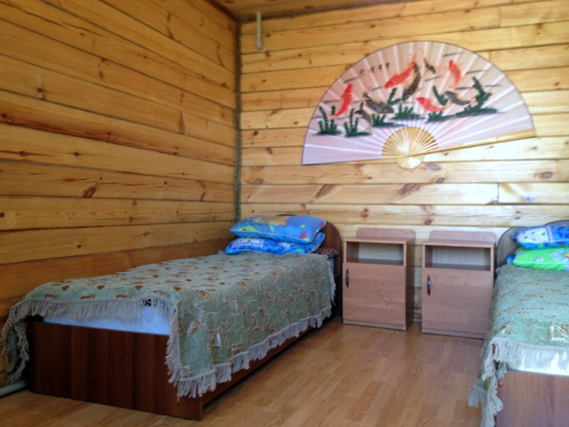 Кровати в гостевом домике в Золотой подкове
