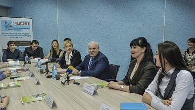 Виктор Зимин на встрече с молодёжью