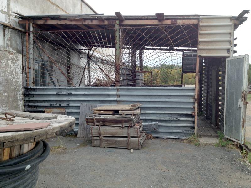 Разруха на бывшем заводе цветных металлов в Туиме