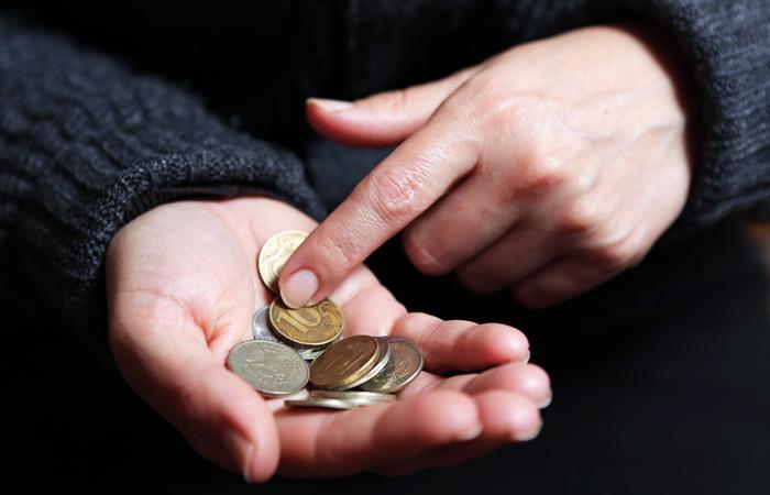 Коновалов в третий раз снизил прожиточный минимум для жителей Хакасии